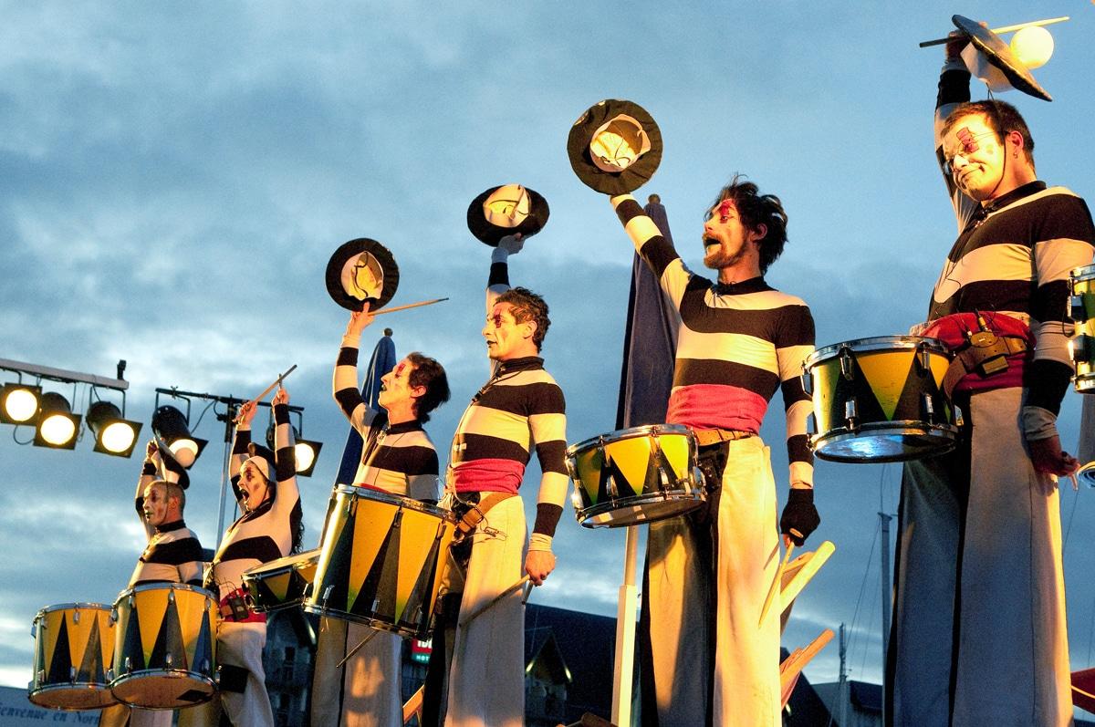 Les Tambours-marin – Cie Transe Express –Deauville - Parade de noël – photo © Virginie Meigné